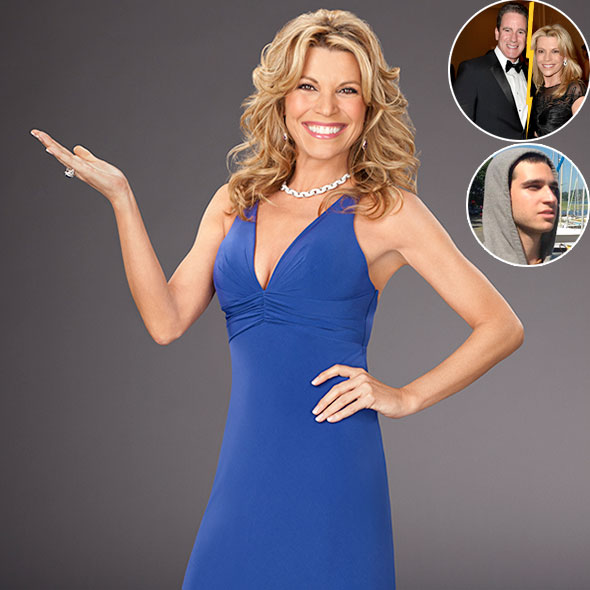 TV Personality Vanna White States to be Happy despite her Married Life and Relationship Failures!