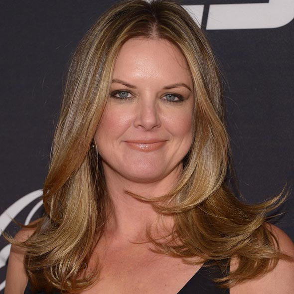 Is Wendi Nix Really Been Divorced? If So, To Whom She is Referring As Husband in Twitter? Married Again?