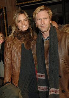 Who is aaron eckhart dating 2007