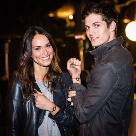 Does Daniel Sharman Have A Girlfriend After Dating Co-Star ...