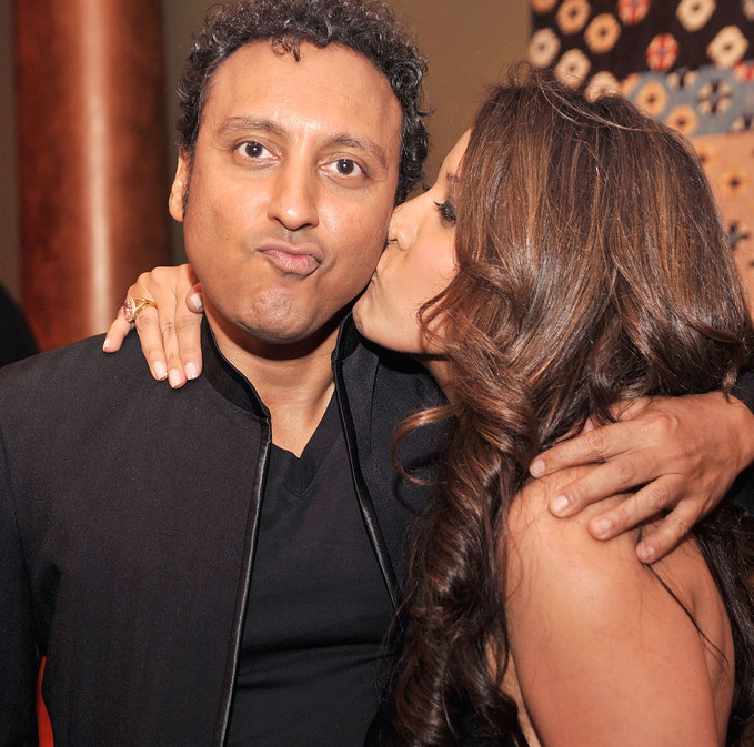 Aasif Mandvi Talks About Family And Religion But Why Not Girlfriends? No Intentions On Getting Married?