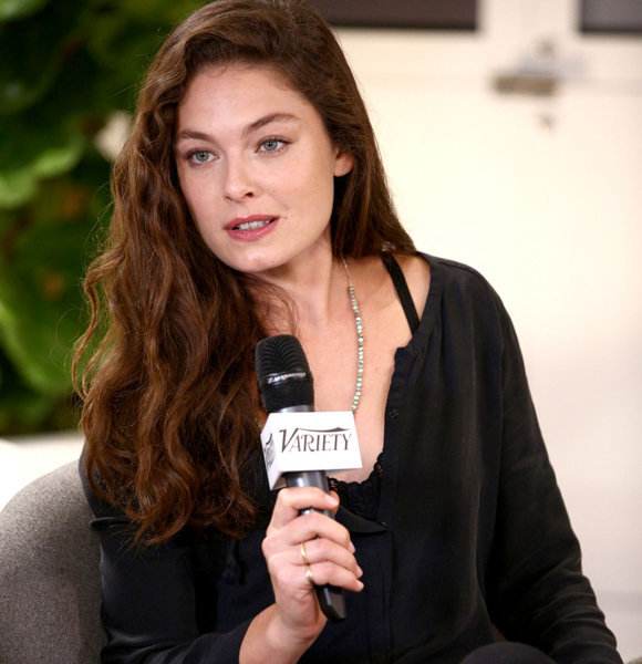Alexa Davalos Talks On Giving Kids A Consistent Life After Getting Married; Has A Boyfriend Now To Do So?