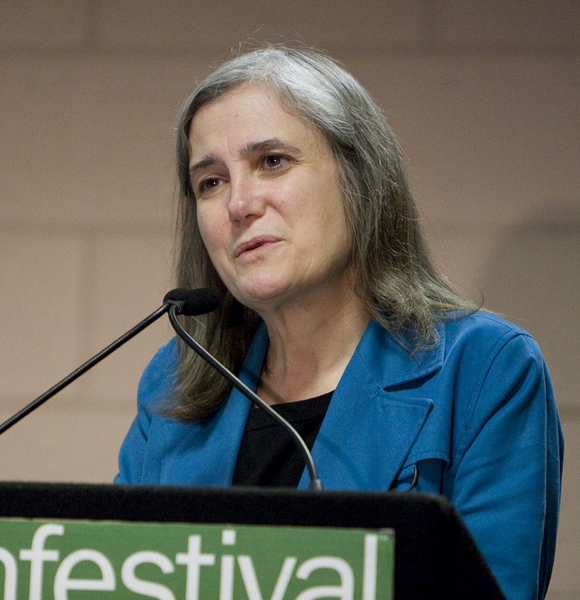 """Amy Goodman From """"Democracy Now"""" Is A Pro At Maintaining Relationship And Work!"""