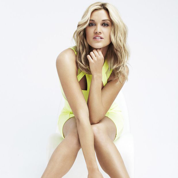 Did Ashley Roberts Get Married And Turn Any Of Her Boyfriend Into A Husband? Series Of Dating Affair But All In Vain?