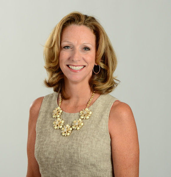 Beth Mowins Too Busy Advancing On Career; Look At Her Bio And Know If She Is Married