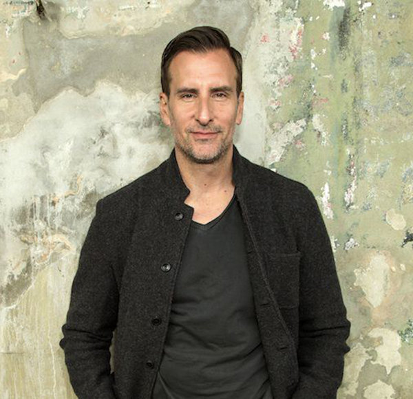 Brian Unger Keeps Possible Married Life! But Does that Make him Gay?