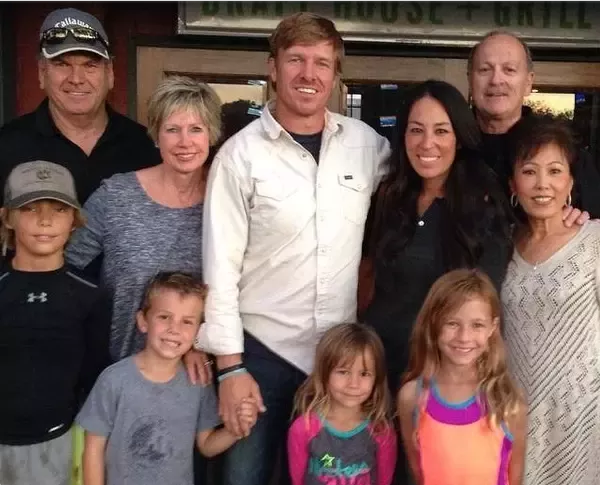 what is joanna gaines ethnicity more about fairytale like her married life with husband. Black Bedroom Furniture Sets. Home Design Ideas