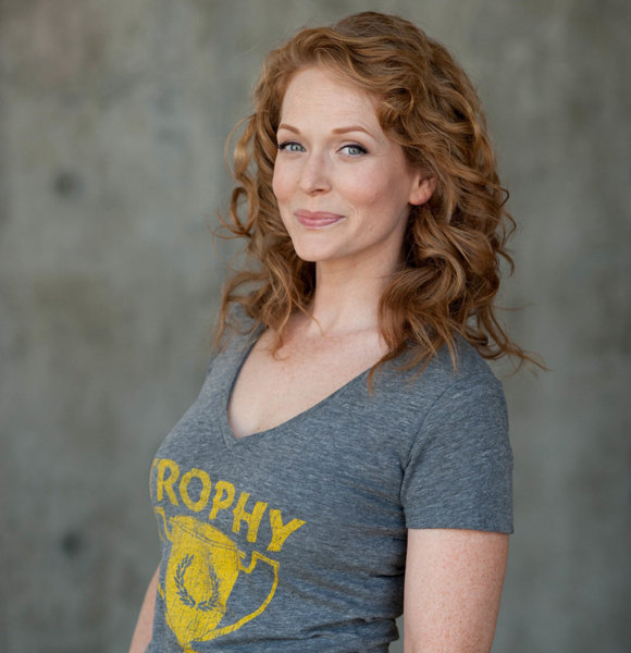 Chelah Horsdal Hinting On Being Married Or Just A Pose With On-Screen Partner?