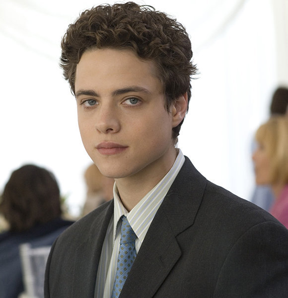 Douglas Smith In A Dating Affair With Career; Too Busy For An Actual Girlfriend?