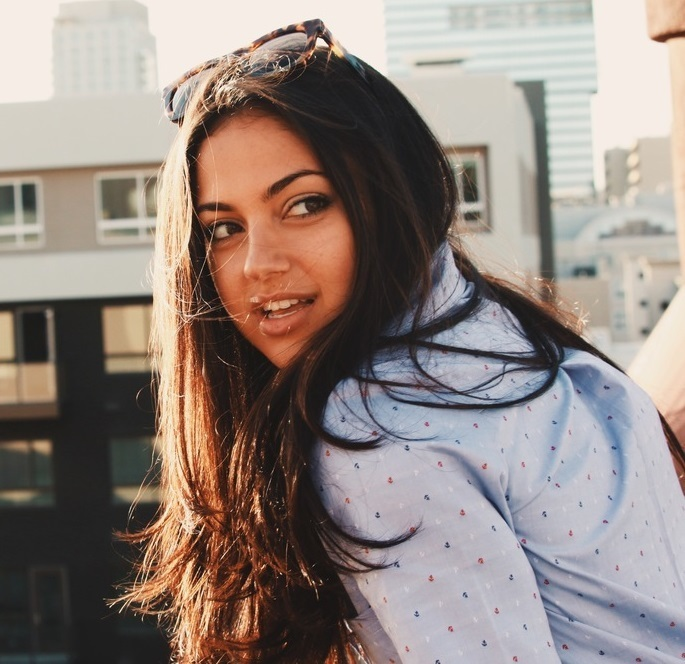 Is Inanna Sarkis Dating Anyone? Look At Her Wiki-Like Bio To Know Who Is Her Boyfriend