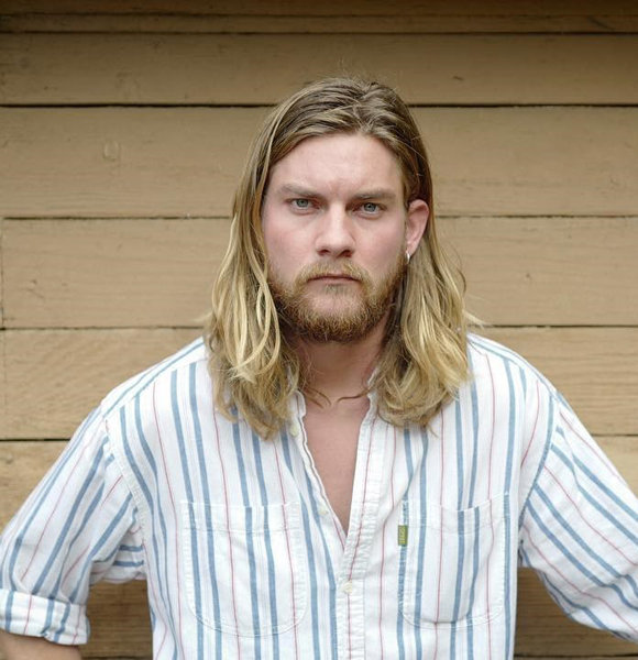 On-Screen Gay Jake Weary Shares The Same Sexuality In Real Life? Learn If He Has A Girlfriend