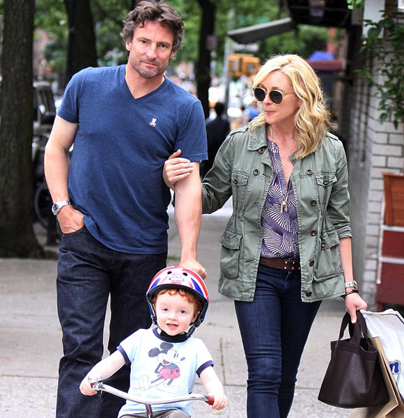Jane Krakowski Managed To Turn Fiance Into Husband After Welcoming A Son? Wedding That Remained Just In Talks?