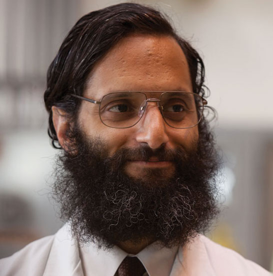 is jason mantzoukas secretly dating someone or is he