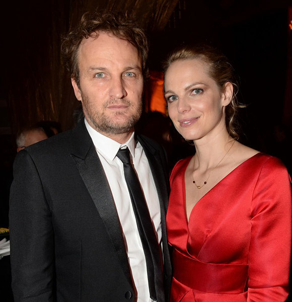 Jason Clarke Revealed Being Married; But Wife Is Flaunting The Real Surprise