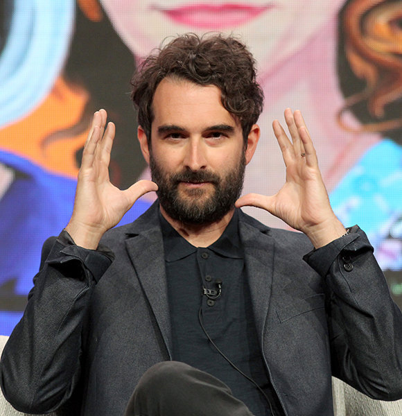 Jay Duplass a Different Man in Real Life! Has A Wife and Committed to Family