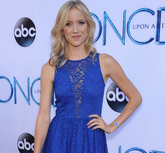 Is Brittany Snow Look-Alike Jessy Schram Hiding A Secret Husband? Reveals If She Is Married Or Not Via Twitter