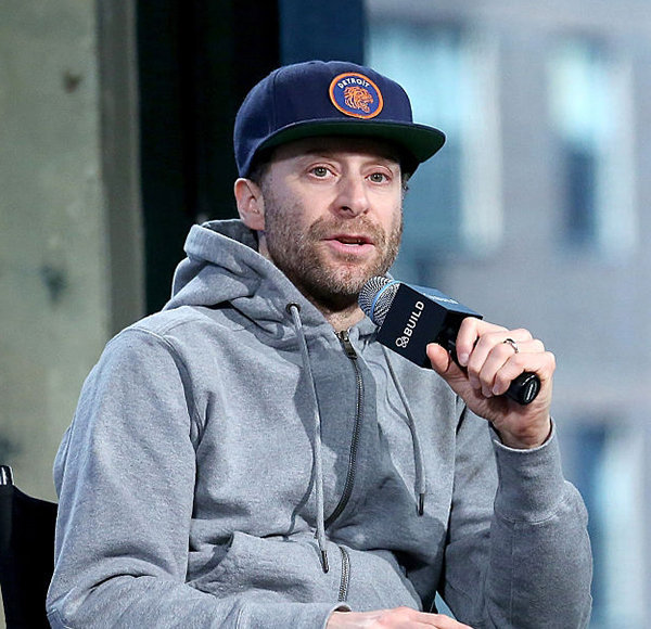 Jon Glaser Knowingly Hides Married Life with Wife From Camera! Why?