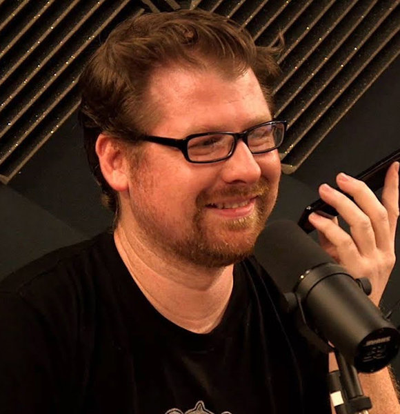 Is Justin Roiland Of The Different Voices Dating Anyone? A Covert Affair With Girlfriend?