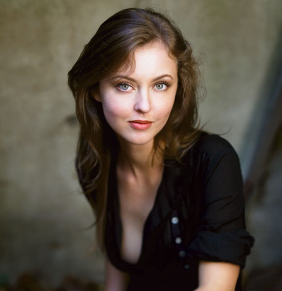 Katharine Isabelle Too Busy to Be Dating and Have a Boyfriend? Seems Like it