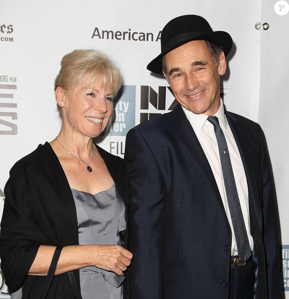 Oscar Awards Winning Actor Mark Rylance and His Wife Are Relationship Goal! But With Their Share Of Ups & Downs