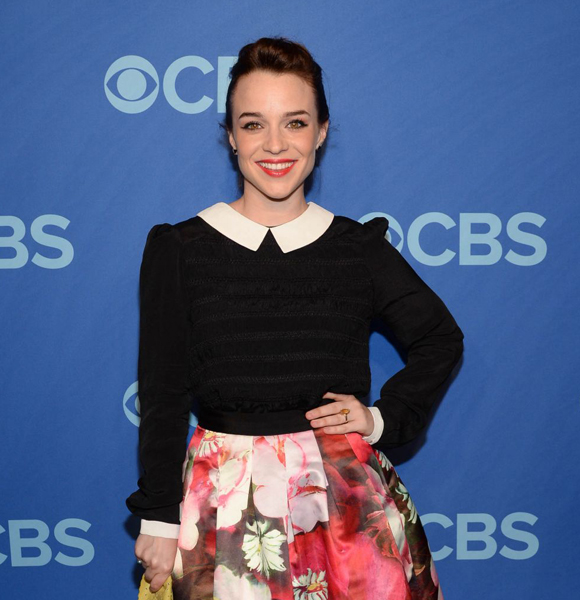 Wondering Is Renée Felice Smith Is Married Or Blissfully Dating? The Answer To Her Relationship Is Here