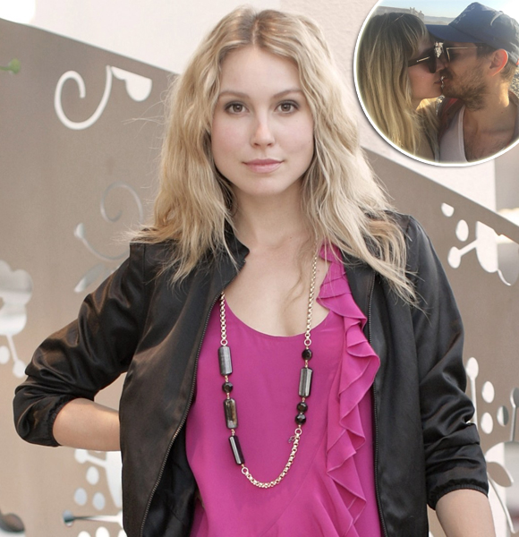 Sarah Carter Is Married And Has A Husband! Bonus: She Is Also Pregnant