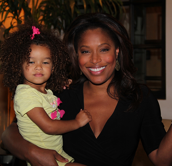 CBS46 Anchor Sharon Reed - The Rumored LeBron James' Baby Mama Is A Married Woman