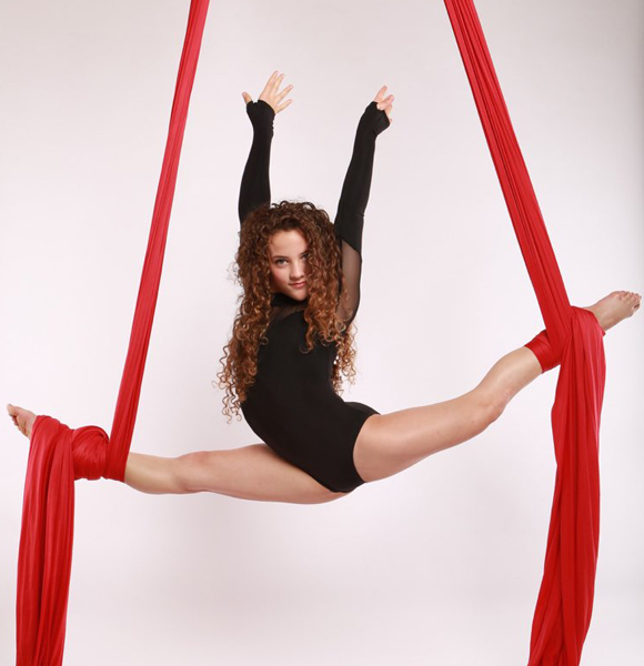 Sofie Dossi Breaks Record! The Girl Who Won Golden Buzzer In Famous Show 'America's Got Talent' Does It So Easy