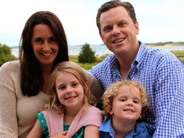 Married in 2003, Willie Geist and His Wife, Christina Geist celebrated 13th Anniversary. About Married Life and Children