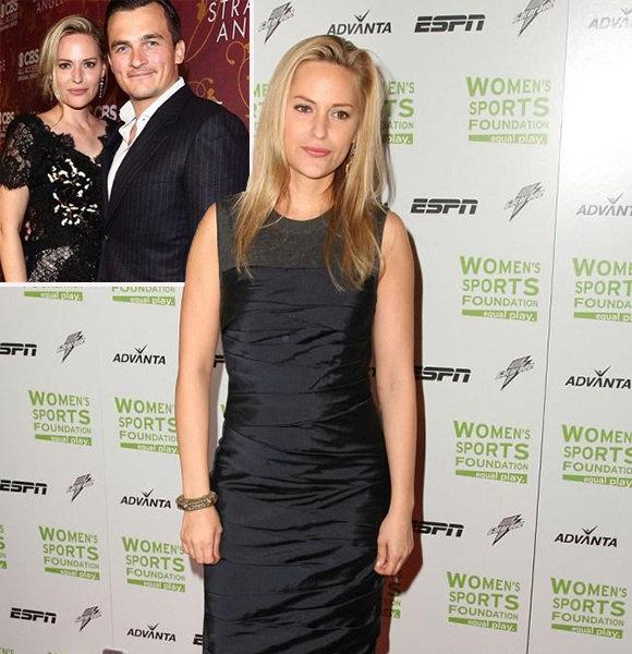 Stranger Things's Aimee Mullins Husband & Married Life