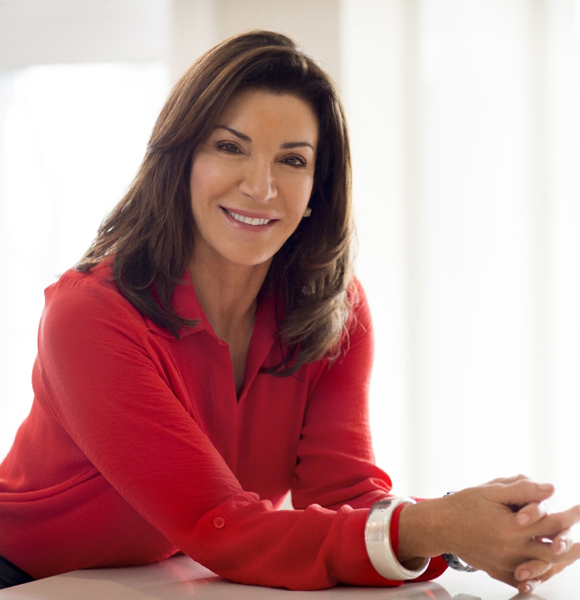 Get To Know A Little More About Hilary Farr; Has A Husband And A Married Life For Real?