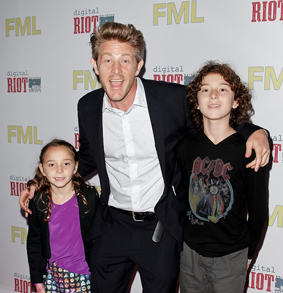 Jason Nash Married, Wife, Dating, Family