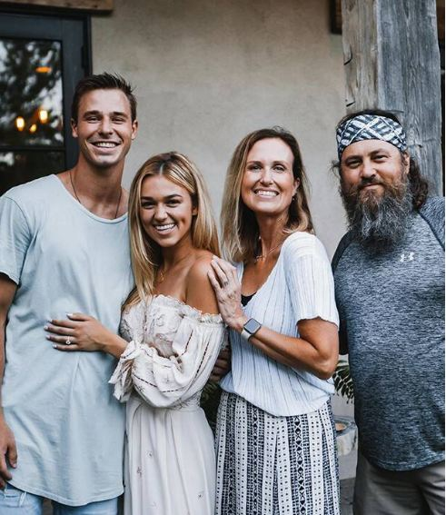 Jj Watt Wedding Pictures: Sadie Robertson Boyfriend, Dating, Engaged, Affair, Parents