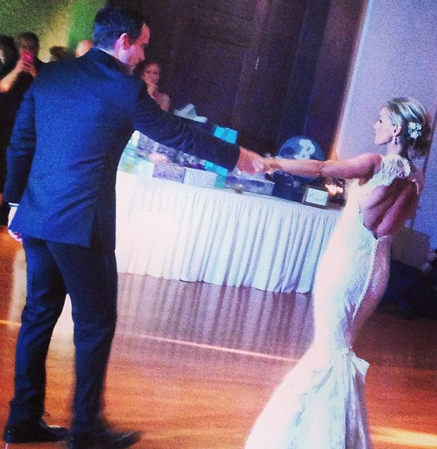 Wedding First Dance Songs 2017: Courtney Reagan Wedding Pictures With Accountant Husband