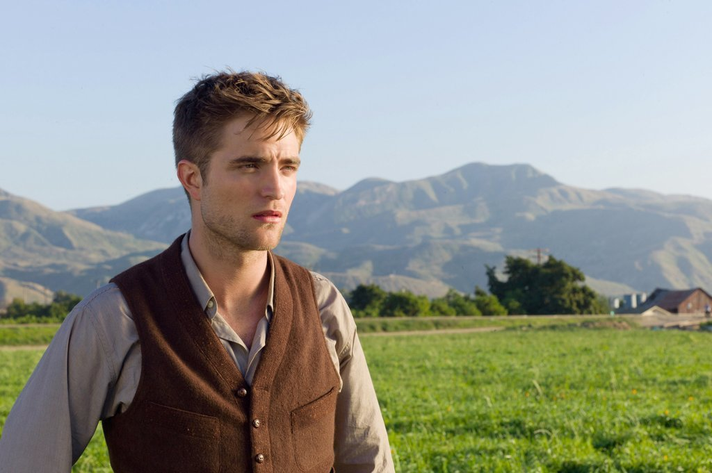 Craving some Robert Pattinson?