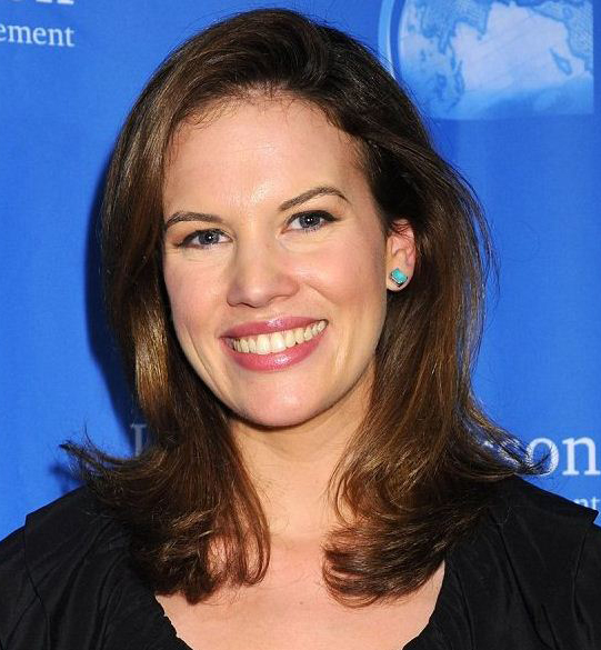 Kelly Evans' Relationship History: Secretly Married to Mystery Husband Or Dating?